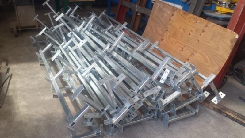 Empresas de Revestimento Metalico de Zinco sobre Ferro Santa Teresinha de Piracicaba - Revestimento Metalico Fachada