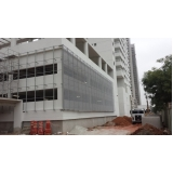 revestimento metálico para fachada